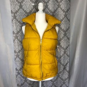 Old Navy puffer vest NWT